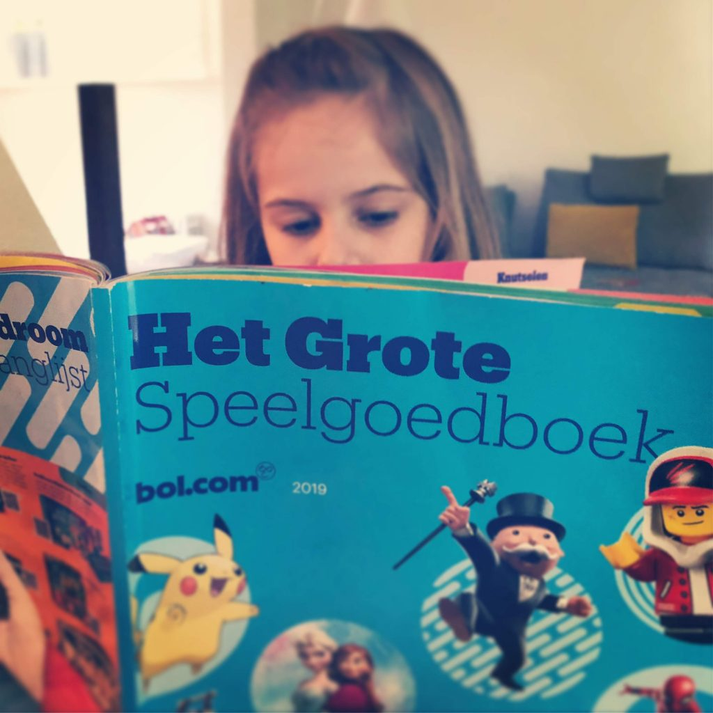 Mijn dochter leest het 1e bol.com Speelgoedboek